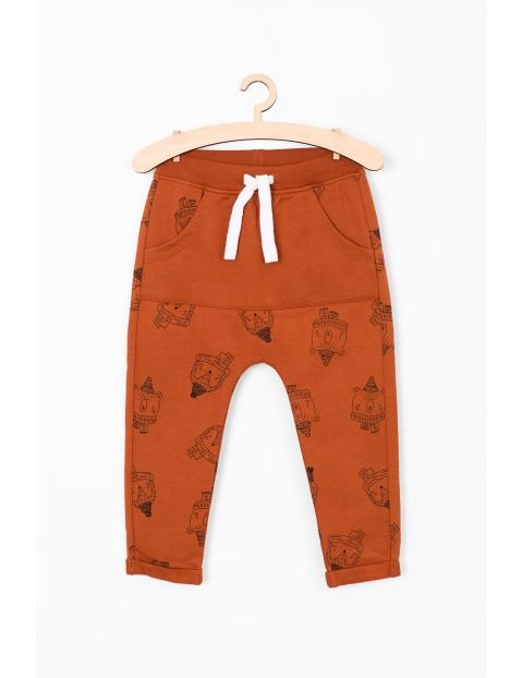 Spodnie dresowe dla niemowlaka- leśne zwierzaki