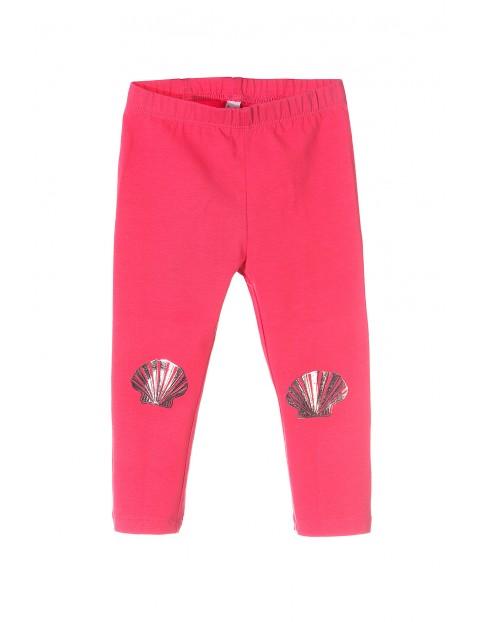 Leginsy dziewczęce różowe z muszelkami na kolanach