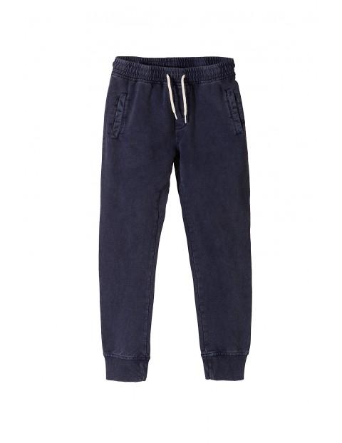 Spodnie dresowe chłopięce 2M3610