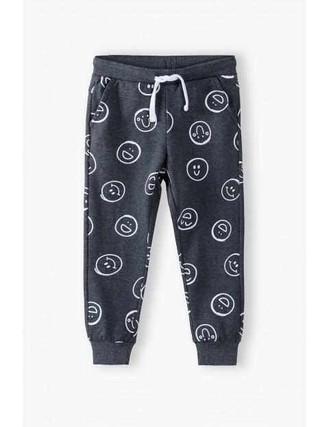 Spodnie dresowe chłopięce szare w buźki