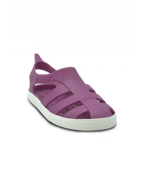 Sandałki dziewczęce w kolorze fuksji o zapachu startej skórki cytryny
