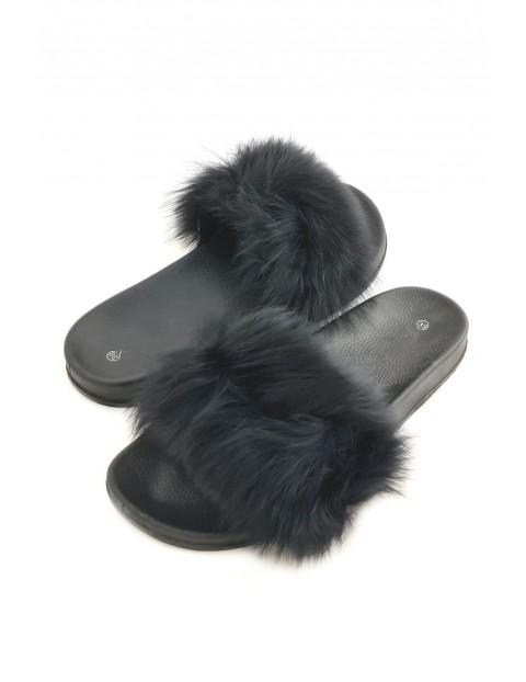 Klapki damskie futrzaki - czarne