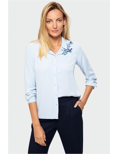 Koszula wiskozowa- niebieska z haftowanymi kwiatkami