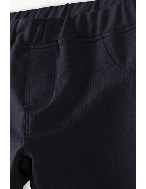 Czarne legginsy dziewczęce