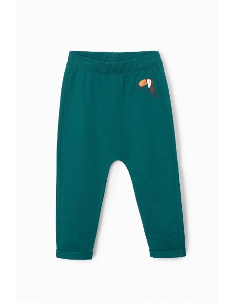 Ciemno-zielone spodnie dresowe niemowlęce