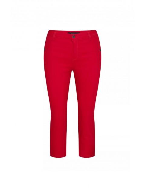 Dopasowane czerwone bawełniane spodnie damskie