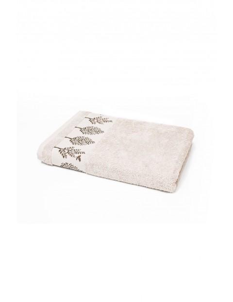 Bawełniany ręcznik w kolorze beżowym o wymiarach 70x140 cm