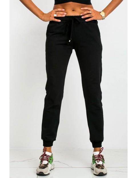 BASIC Spodnie dresowe damskie - czarne