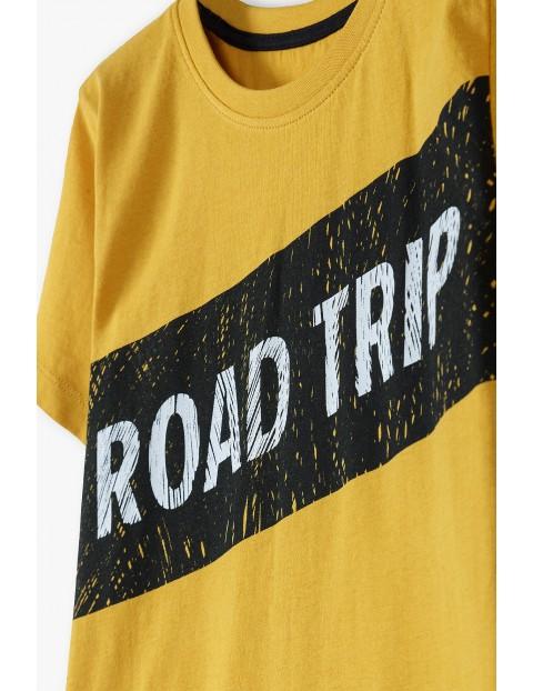 Bawełniany t-shirt chłopięcy żółty z napisem- Road Trip