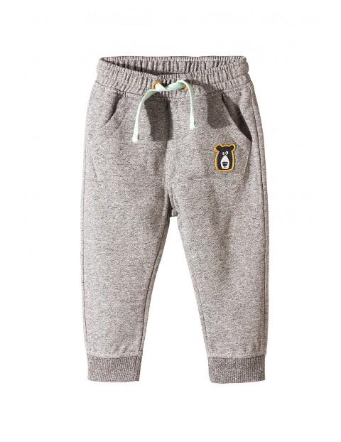 Dresowe spodnie dla chłopca 1M3524