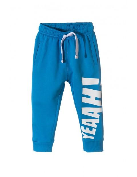 Spodnie dresowe dla chłopca- niebieskie yeah