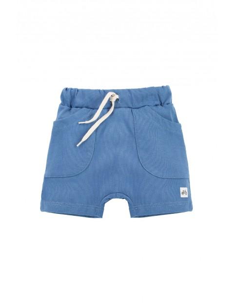 Bawełniane spodenki krótkie chłopięce w kolorze niebieskim