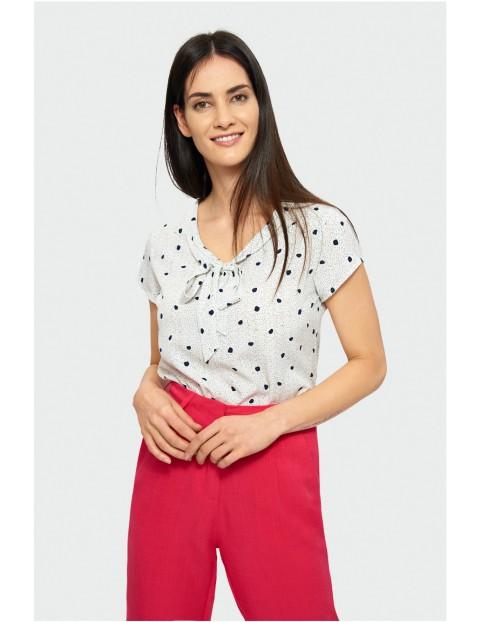 Bluzka damska z krótkim rękawem i wiązaniem przy dekolcie