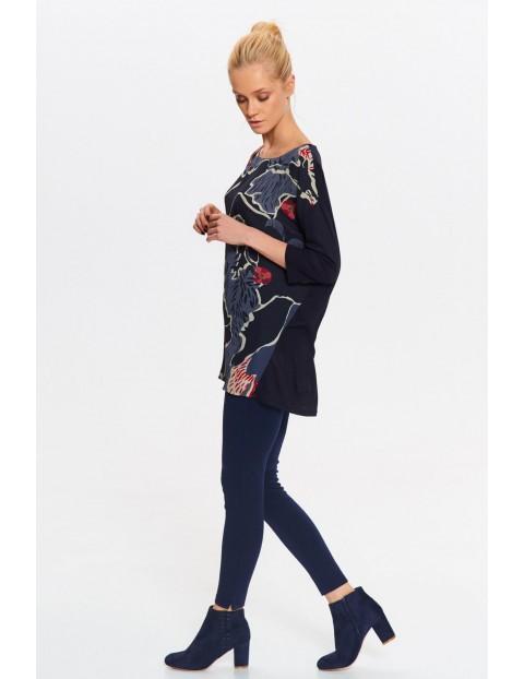 Granatowa bluzka damska w kolorowe wzory - 3/4 rękaw