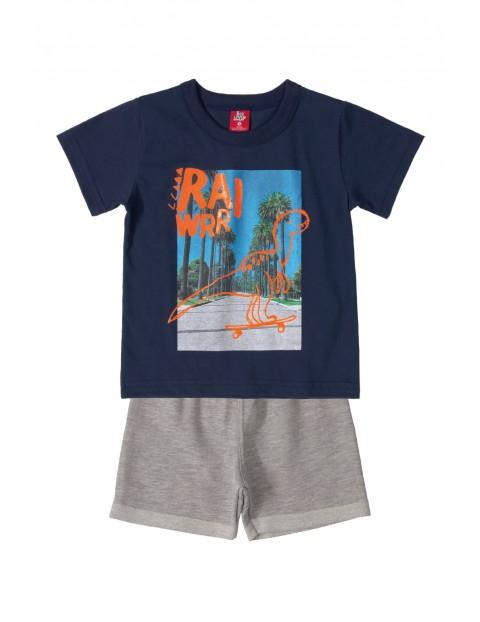 Komplet chłopięcy - t-shirt i szare spodenki