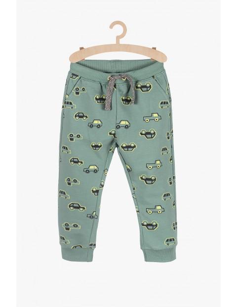 Spodnie dresowe w samochody - zielone