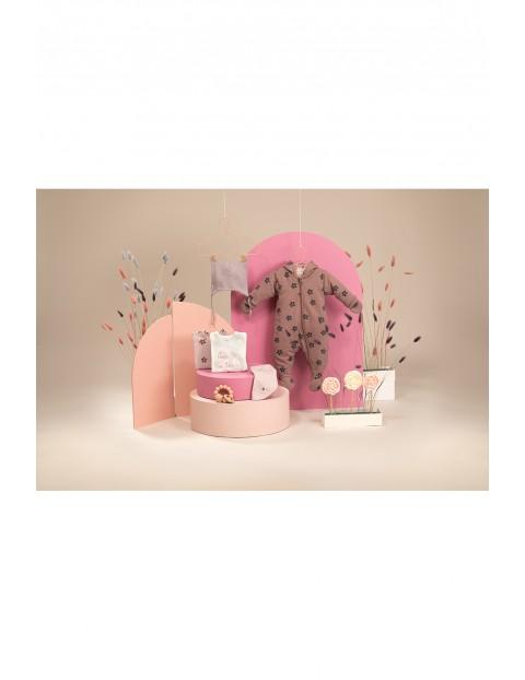 Kombinezon niemowlęcy różowy w kwiatki