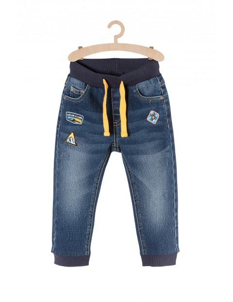 Spodnie jeansowe chłopięce z podszewką