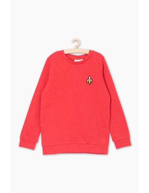 Czerwona bluza dresowa z ozdobna naszywką