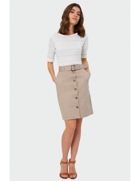Beżowa spódnica ołówkowa z guzikami i paskiem