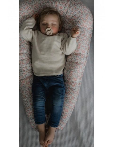 Gniazdo / Kokon niemowlęcy bawełniany w kolorowe kropki
