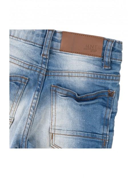 Niebieskie spodnie jeansowe dla chłopca