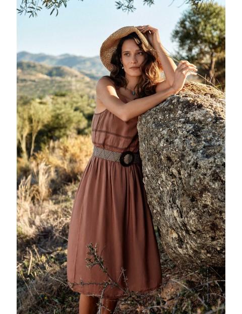 Wiskozowa sukienka na ramiączkach z ozdobnymi wstawkami- brązowa