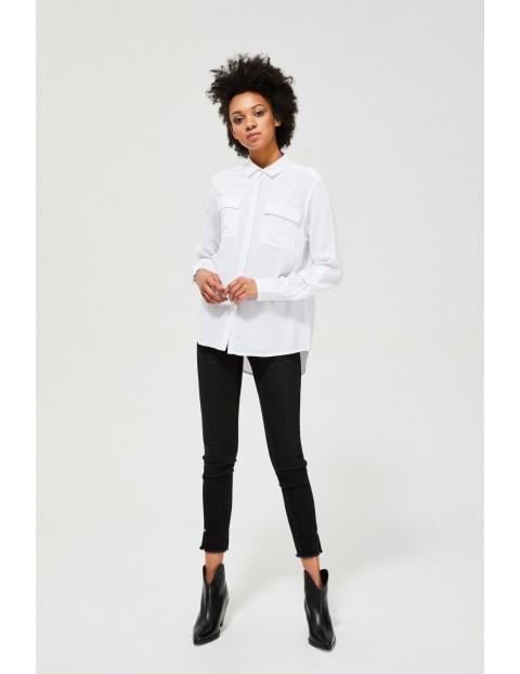 Biała wiskozowa koszula damska z kieszeniami