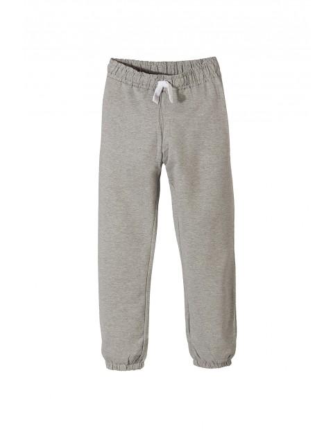 Spodnie dresowe chłopięce 2M9741
