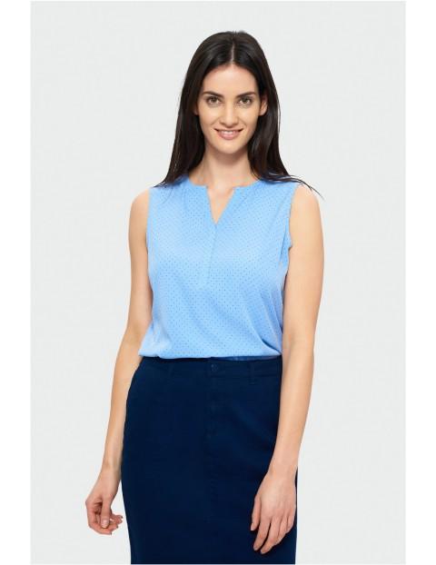 Niebieska bluzka bez rękawów w granatowe kropki- dekolt V