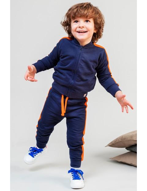 Granatowy komplet niemowlęcy- bluza dresowa + spodnie dresowe