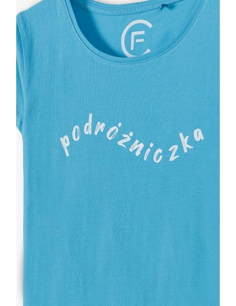 Niebieski T- shirt damski z napisem Podróżniczka- ubrania dla całej rodziny