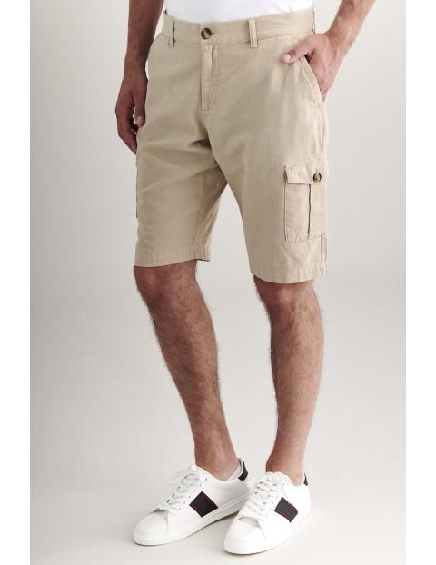 Beżowe szorty męskie z kieszonkami  na bokach