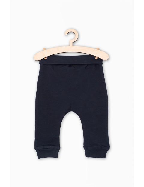 Dzianinowe spodnie dla niemowlaka