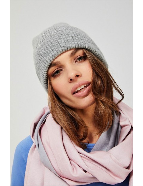 Uniwersalna czapka damska typu beanie - szara