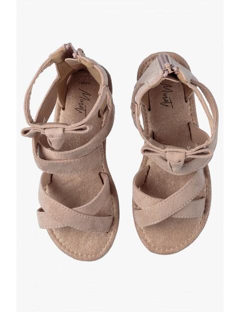 Beżowe sandały dla dziewczynki