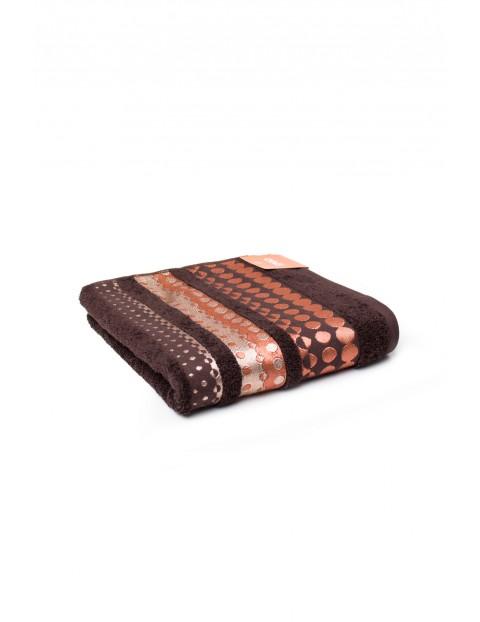 Bawełniany ręcznik w kolorze brązowym o wymiarach 50x90 cm