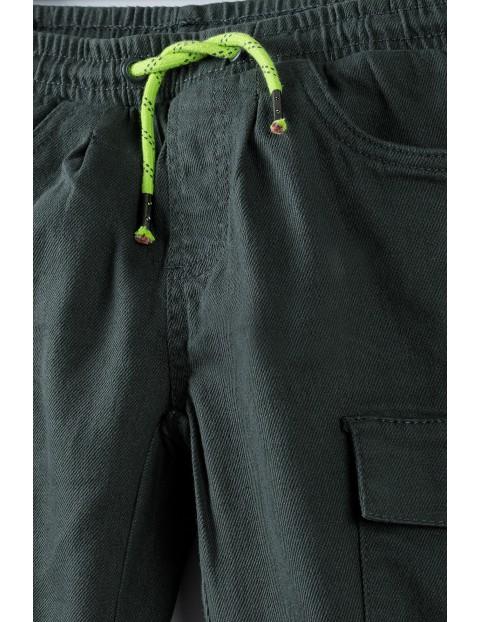 Joggery chłopięce z kieszeniami - khaki