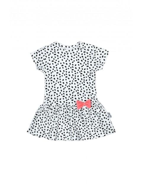 Sukienka z krótkim rękawkiem z białej bawełny w czarne kropki