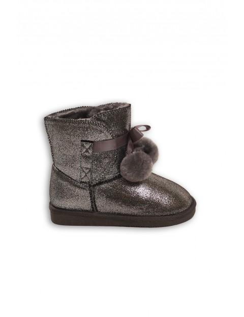 Buty dziewczęce na zimę- srebrne z pomponami
