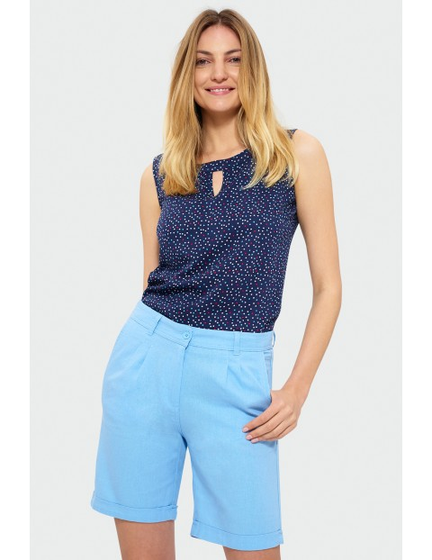 Krótkie spodnie z zakładkami - niebieskie