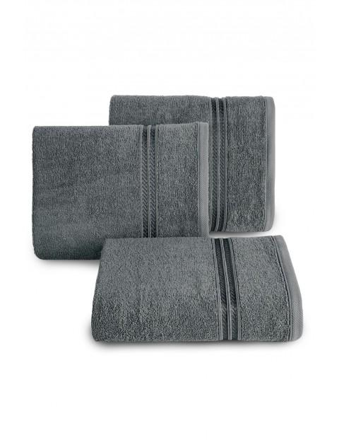 Ręcznik z bordiurą w pasy szary 50x90 cm