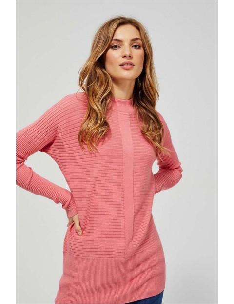 Sweter damski długi w prążki - różowy