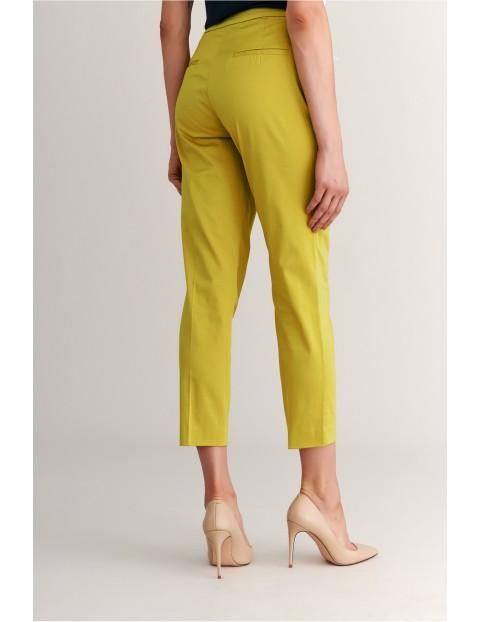 Spodnie damskie z ozdobnym paskiem Tatuum - żółte