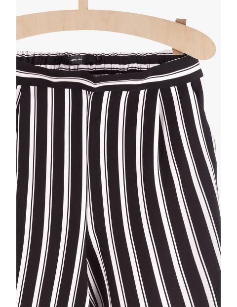 Szerokie spodnie damskie w białe paski