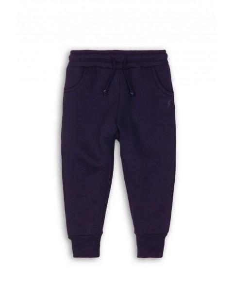 Granatowe dresowe spodnie dla niemowlaka