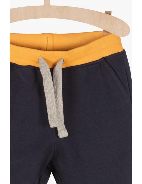 Dreswe spodnie dla chłopca