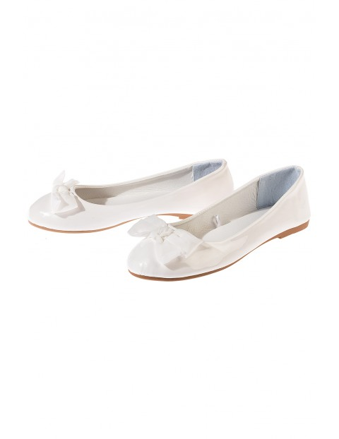Buty białe baleriny