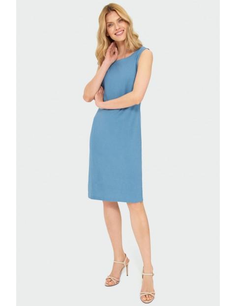 Niebieska lniana sukienka o prostym kroju