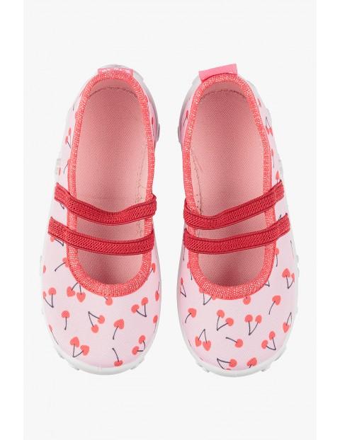Kapcie dziewczęce różowe w wisienki